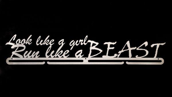 "Medaillenboard ""Look like a girl Run like a Beast XL"""